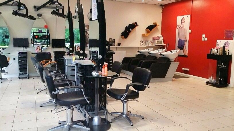 caroline-collis-salon
